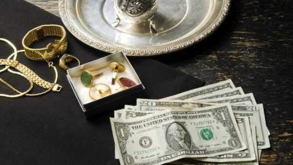 6de35085fde6 Важно знать, что не все предметы можно заложить. Запрещено сдавать  сусальное золото и изделия с необработанными драгоценными камнями.